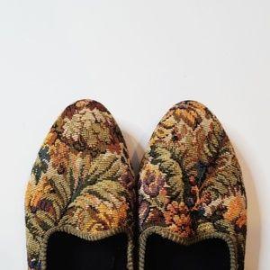 Vintage Bernie Mev Tapestry Loafer Flats